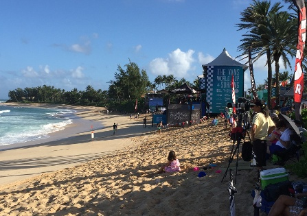 At Vans World Cup, photographers line beach largely empty of spectators